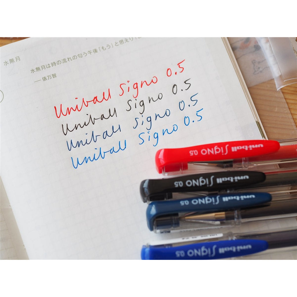 <center>Uni-ball Signo UM-100 Gel Pen - Blue-Black</center>