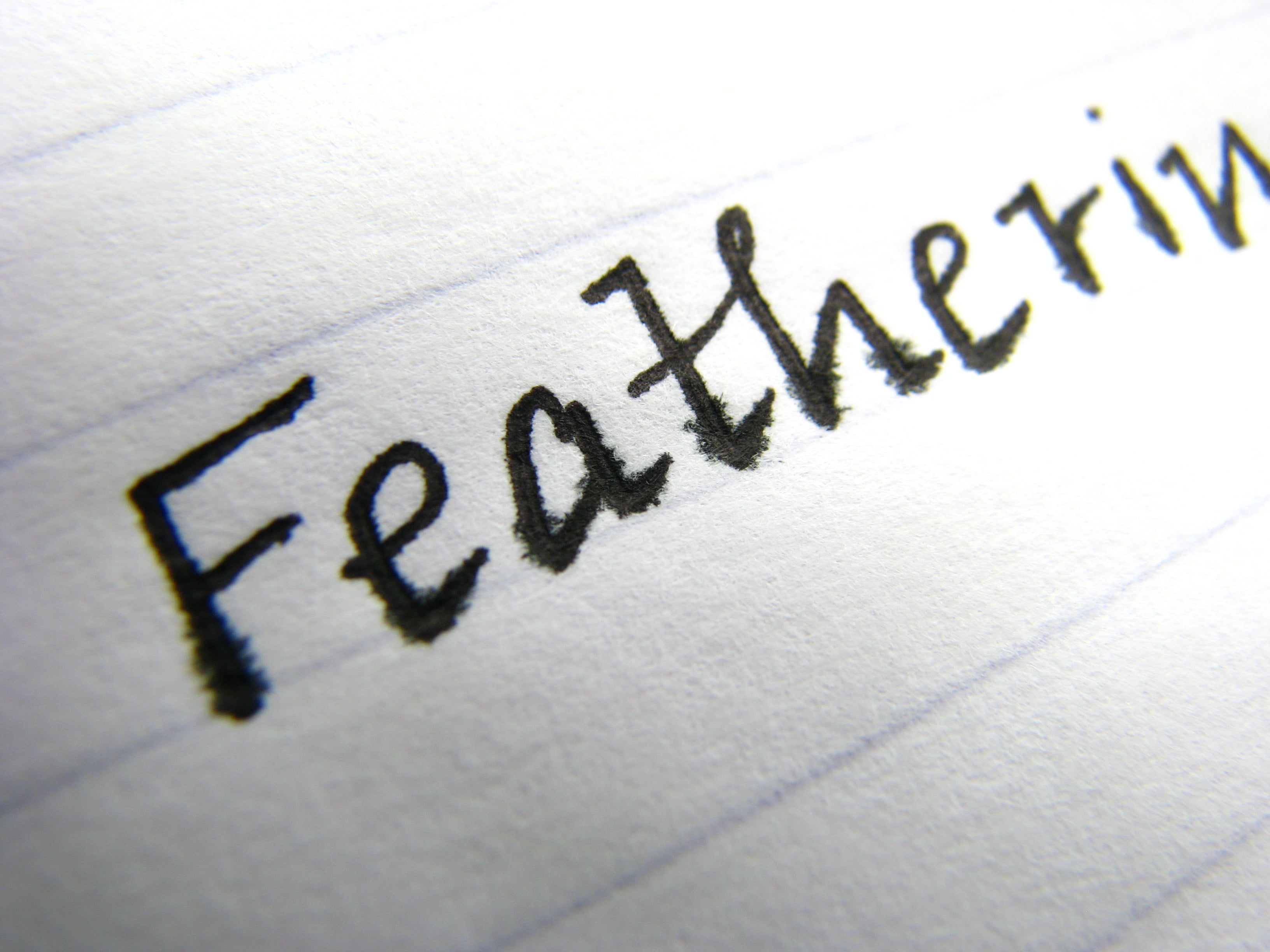 Feathering on low-quality paper with fountain pen ink