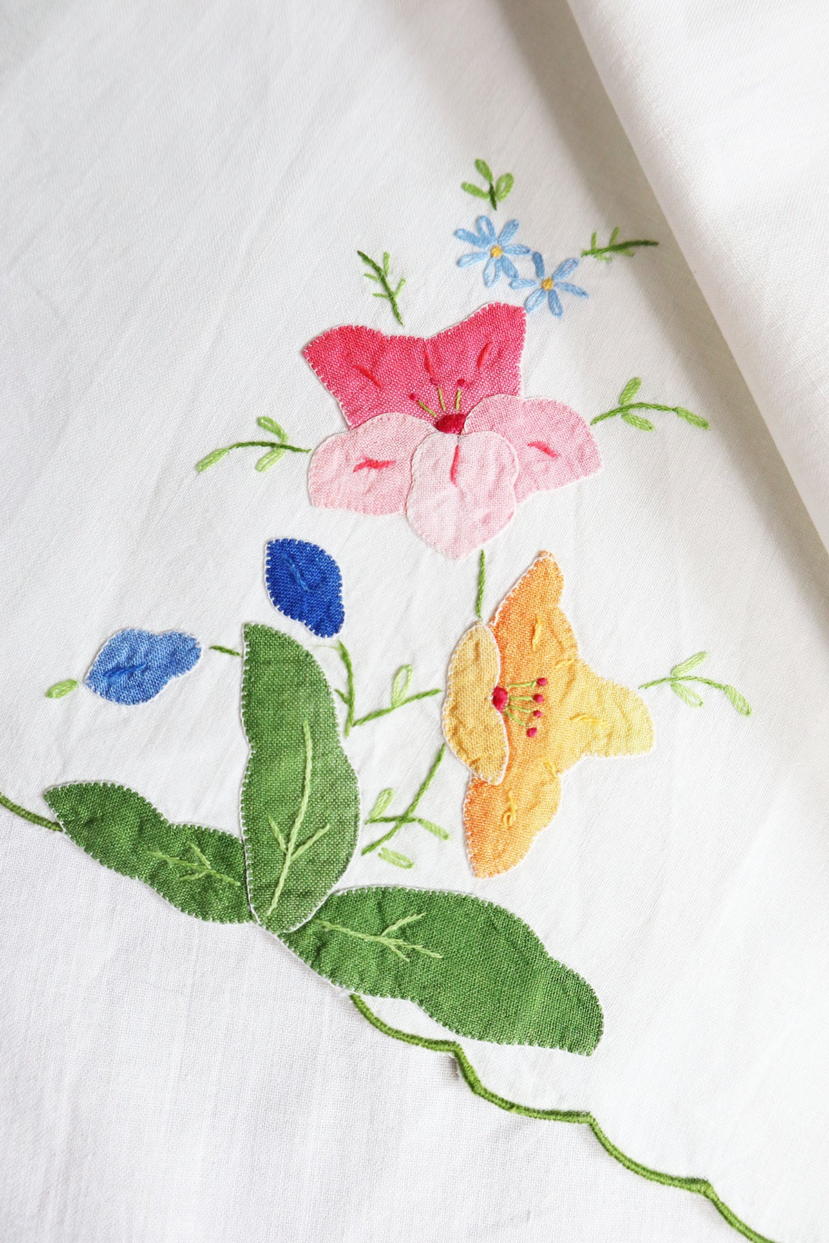 Small Vintage Tablecloth With Flowers