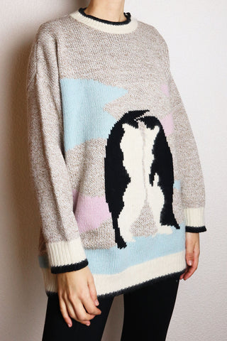 Cute Vintage Pullover With Penguin