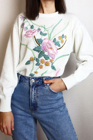 Vintage Pullover With Floral Embroidery