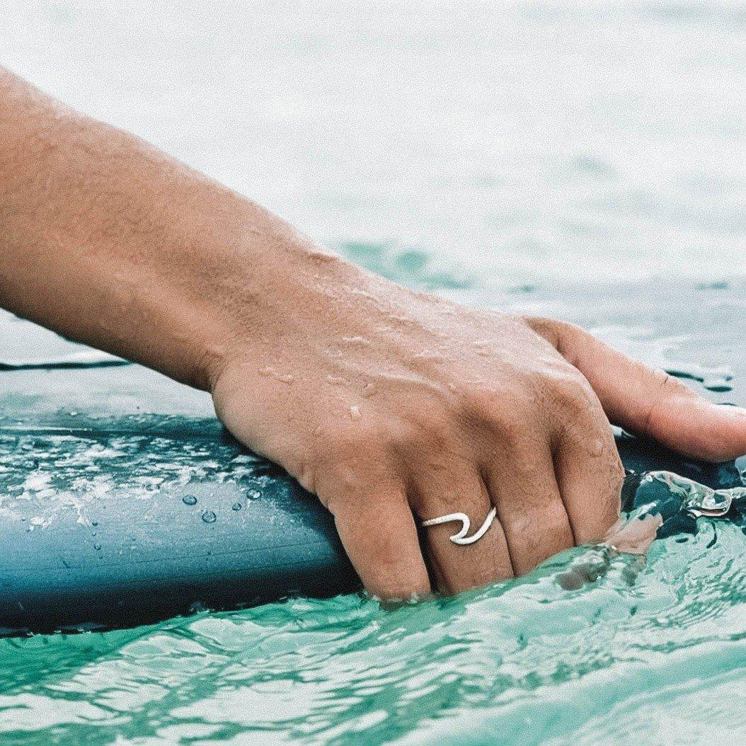 Wave inspired beach ring