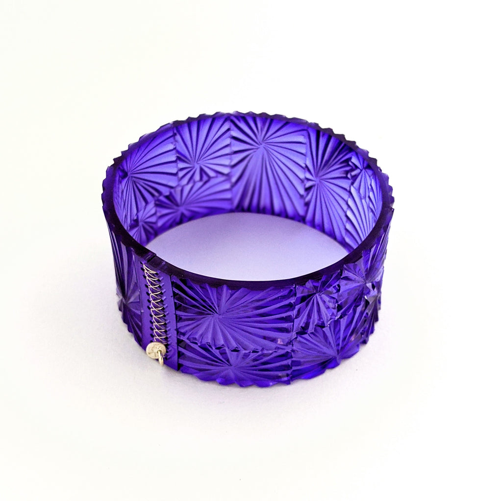 Cuff PVC Carved Bevel