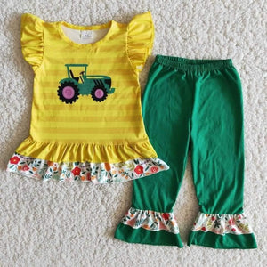 Tractor Ruffle Bottom Set