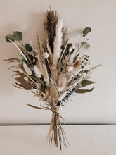 Load image into Gallery viewer, Large Dried Flower Bouquet