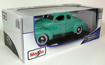 Maisto 1:18 Special Edition 1939 Ford Deluxe Coupe - Turquoise Green