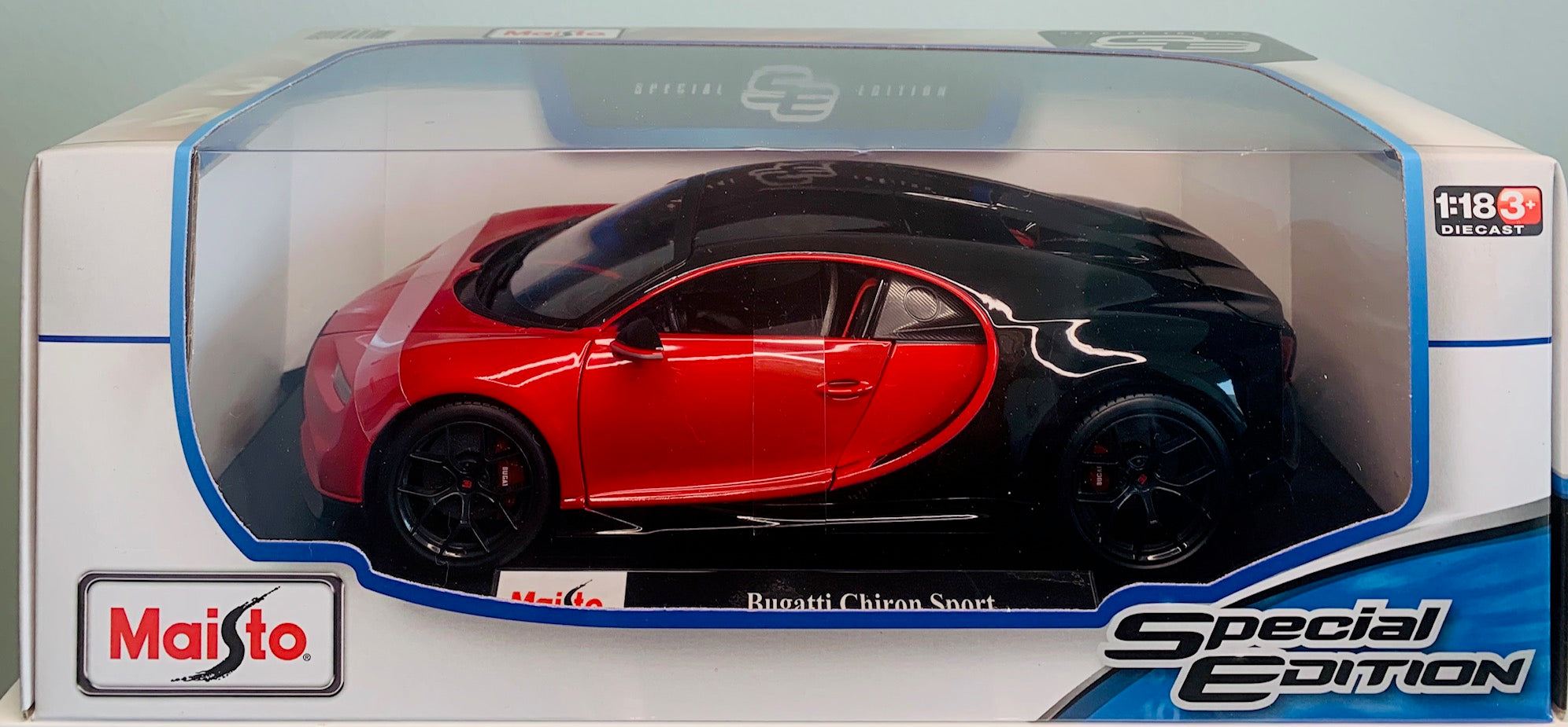 Maisto Bugatti Chiron Sport Red 1:18 Scale Car Special Edition