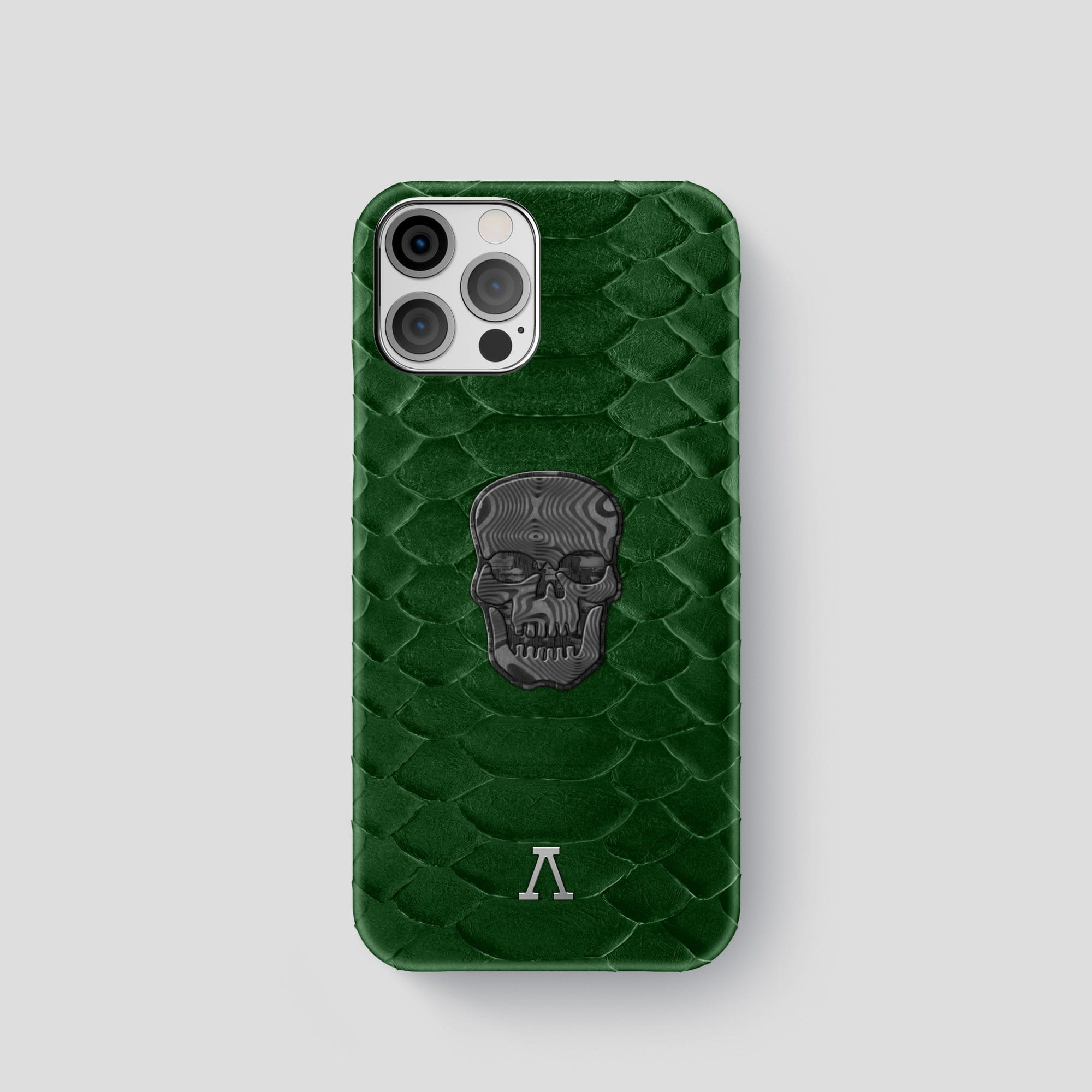 iPhone 12 Pro Classic Case Python with Carbon Skull
