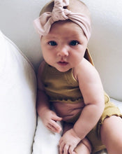 Load image into Gallery viewer, baby in a blush headband