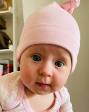 Load image into Gallery viewer, Baby in dusty Pink hat