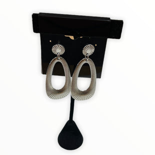 Primary Photo - BRAND:    CLOTHES MENTOR STYLE: EARRINGS COLOR: SILVER SKU: 190-190125-37727