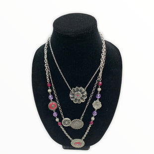 Primary Photo - BRAND:  NECKLACE STYLE: NECKLACE COLOR: SILVER OTHER INFO: PINK SKU: 190-190140-18712