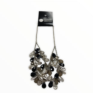 Primary Photo - BRAND:    CLOTHES MENTOR STYLE: NECKLACE COLOR: SILVER SKU: 190-19060-46358