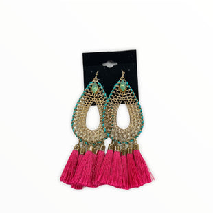 Primary Photo - BRAND:    CLOTHES MENTOR STYLE: EARRINGS COLOR: PINK SKU: 190-190140-23662