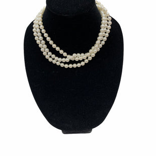 Primary Photo - BRAND:    NECKLACE STYLE: NECKLACE COLOR: PEARL SKU: 190-190140-23576