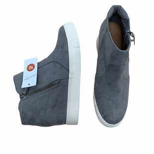 Primary Photo - BRAND: UNIVERSAL THREAD STYLE: BOOTS ANKLE COLOR: GREY SIZE: 10 SKU: 190-190106-55096