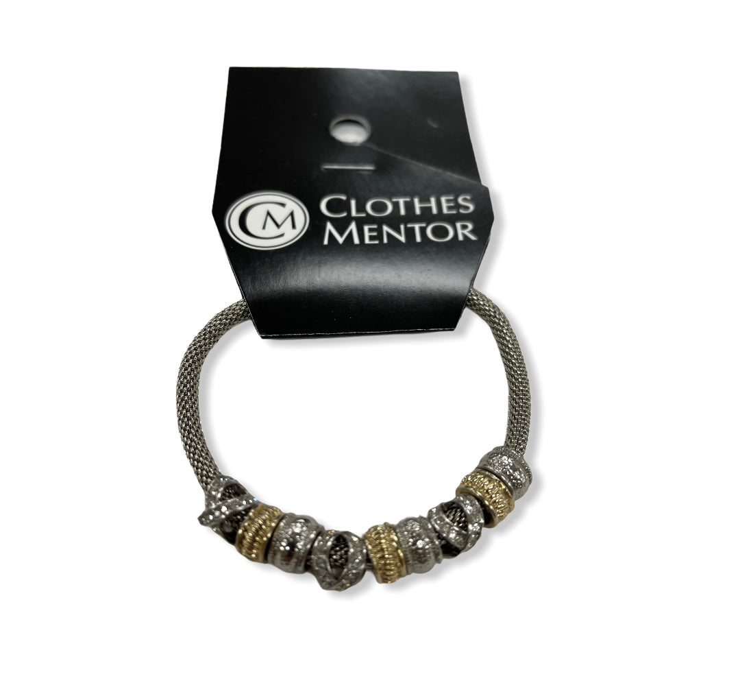 Primary Photo - BRAND:    CLOTHES MENTOR <BR>STYLE: BRACELET <BR>COLOR: SILVER <BR>SKU: 190-19060-46500
