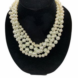 Primary Photo - BRAND:   BELLA JAKESTYLE: NECKLACE COLOR: PEARL OTHER INFO: BELLA JAKE - SKU: 190-190125-38699