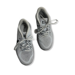 Primary Photo - BRAND: NIKE APPAREL STYLE: SHOES ATHLETIC COLOR: GREY SIZE: 6 SKU: 190-190106-52835