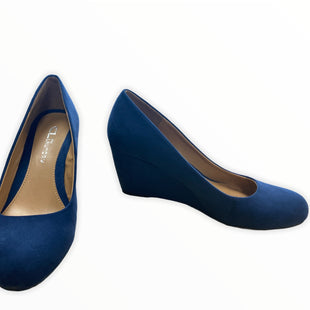 Primary Photo - BRAND:    CLOTHES MENTOR STYLE: SHOES FLATS COLOR: BLUE SIZE: 7.5 OTHER INFO: CL - SKU: 190-190125-33452