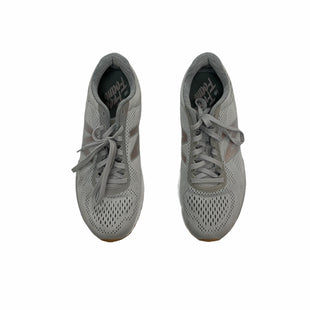 Primary Photo - BRAND: NEW BALANCE STYLE: SHOES ATHLETIC COLOR: GREY SIZE: 9.5 SKU: 190-19060-48721