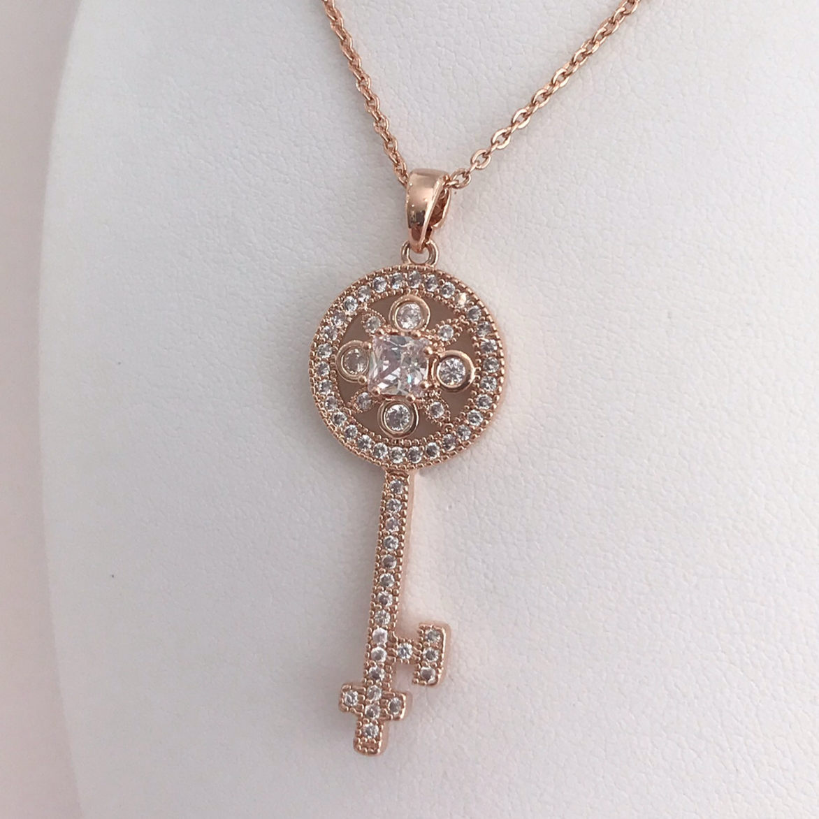Gorgeous, Delicate and Fine Key Rhinestone Necklace