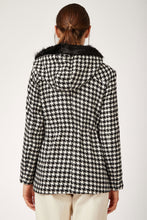 Load image into Gallery viewer, Women's Plaid Black & White Cachet Coat