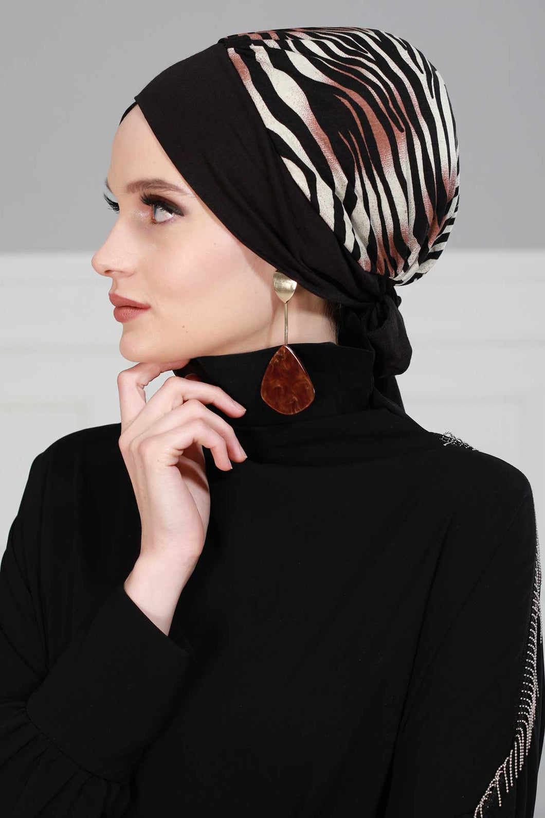 Women's Black Combed Cotton Bonnet
