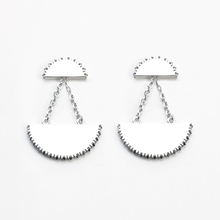 Load image into Gallery viewer, Kahn iv Earrings