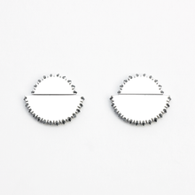 Load image into Gallery viewer, Kahn iii Earrings