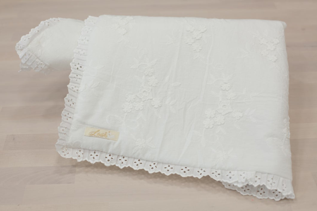 Lace White Flowers Blanket