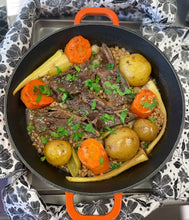 Load image into Gallery viewer, Juicy Beef Short Rib Dinner Pot from Door Belle Dinners