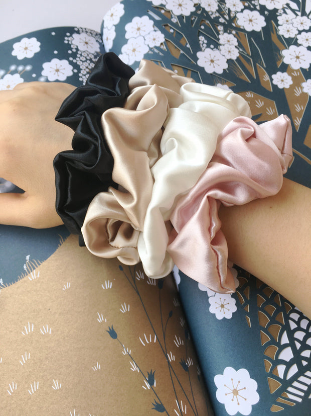 Medium Size Pure Mulberry Silk Scrunchie 22 Momme - Multi Color 4 Pcs silkdelux.com