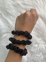 Pure Silk 22 Momme Hair Scrunches, Designed to be Gentle & Avoid Hair Breakage - Skinny Black silkdelux.com