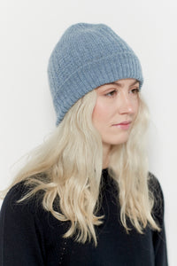 Merino wool beanie in the color dusty blue for women