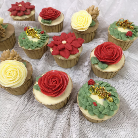 Christmas Floral Cupcakes Decoration