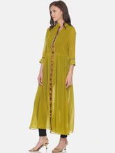 Load image into Gallery viewer, GEORGETTE LONG KURTI WITH GOLD METAL ZIP AND 3/4 SLEEVES