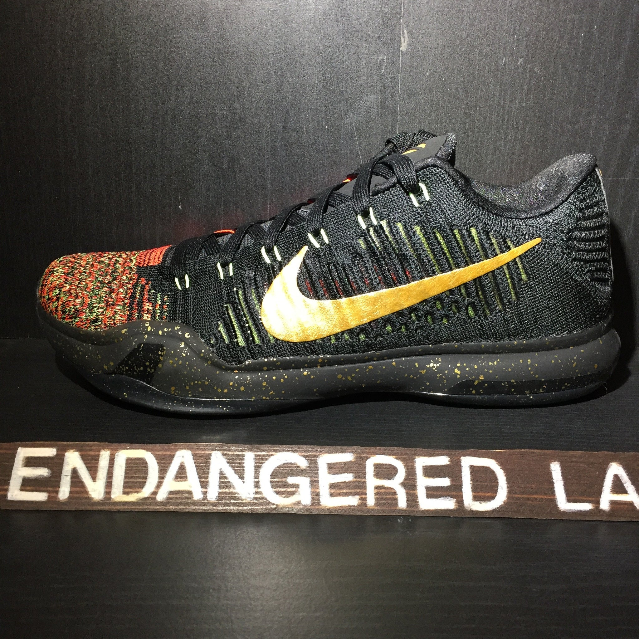 Kobe 10 Elite Low Christmas Sz 9.5 – EndangeredLA
