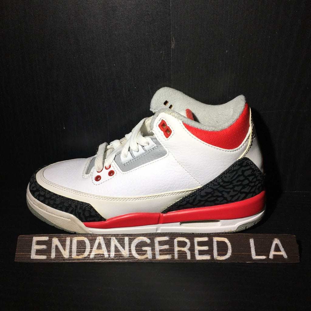 Air Jordan 3 Fire Red Sz 4.5
