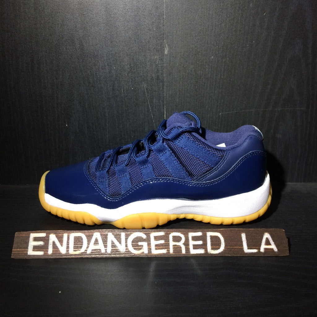 Air Jordan 11 Low Navy/Gum Sz 4.5