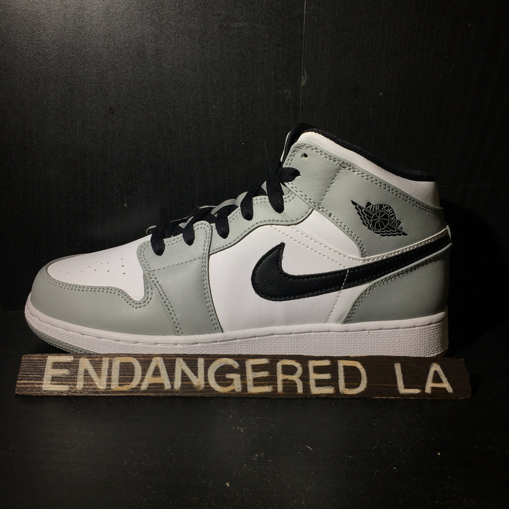 Air Jordan 1 Mid Light Smoke Grey Sz 7