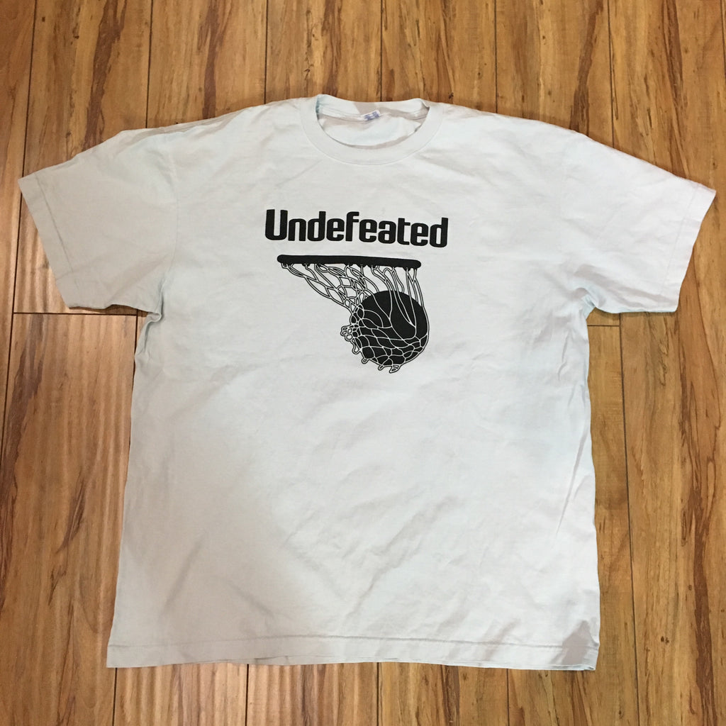 Undefeated basketball Shirt Sz XL