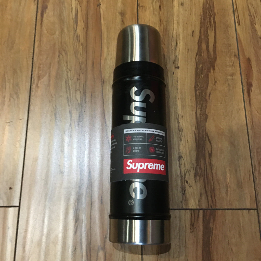 Supreme Bottle Stanley 20 oz. Vacuum Insulated Black F/W 19'