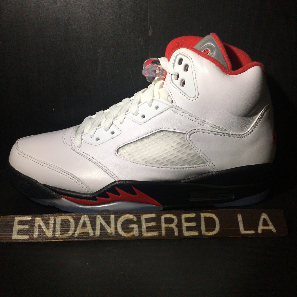 Air Jordan 5 Fire Red 20' Sz 9