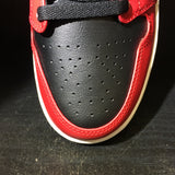 Air Jordan 1 Mid Chicago Toe Sz 10.5