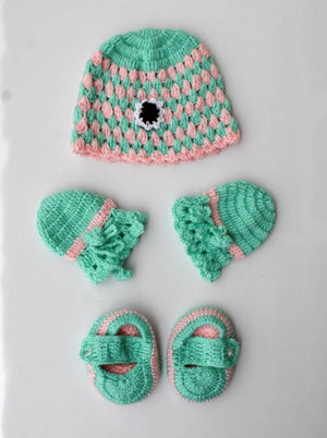 Pretty Acrylic Wool Cap Mittens and Booties Set