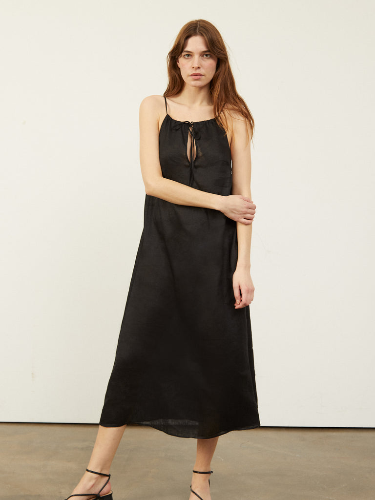 Calonie Halter Neck Voluminous Midi Dress Black