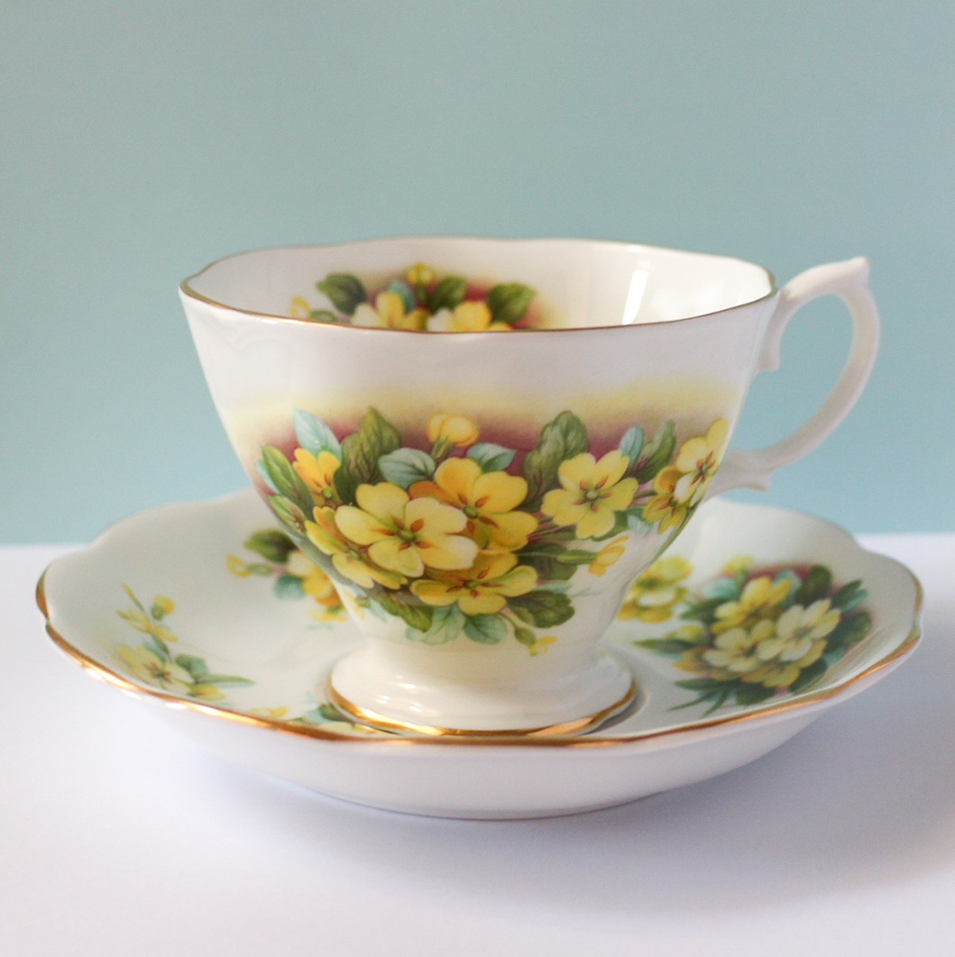 Vintage Teacup - Yellow Wildflower