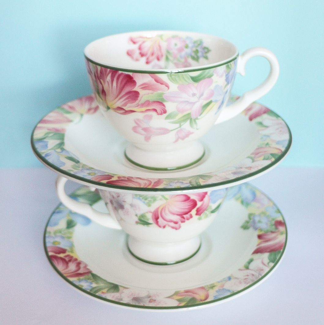 Teacup Set - Royal Albert Fonteyn Petite
