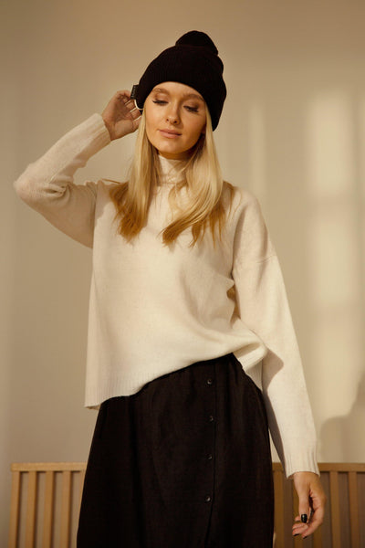 Buy online sustainable Tops from Finland - MIAM Inari Jumper White